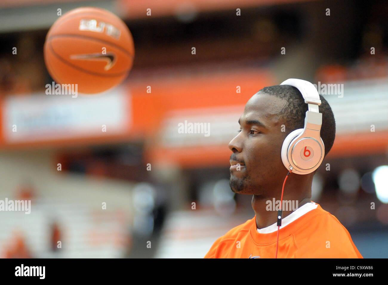 March 3, 2012 - Syracuse, New York, U.S - Syracuse Orange center Baye Keita (12) listens to music while getting - Stock Image