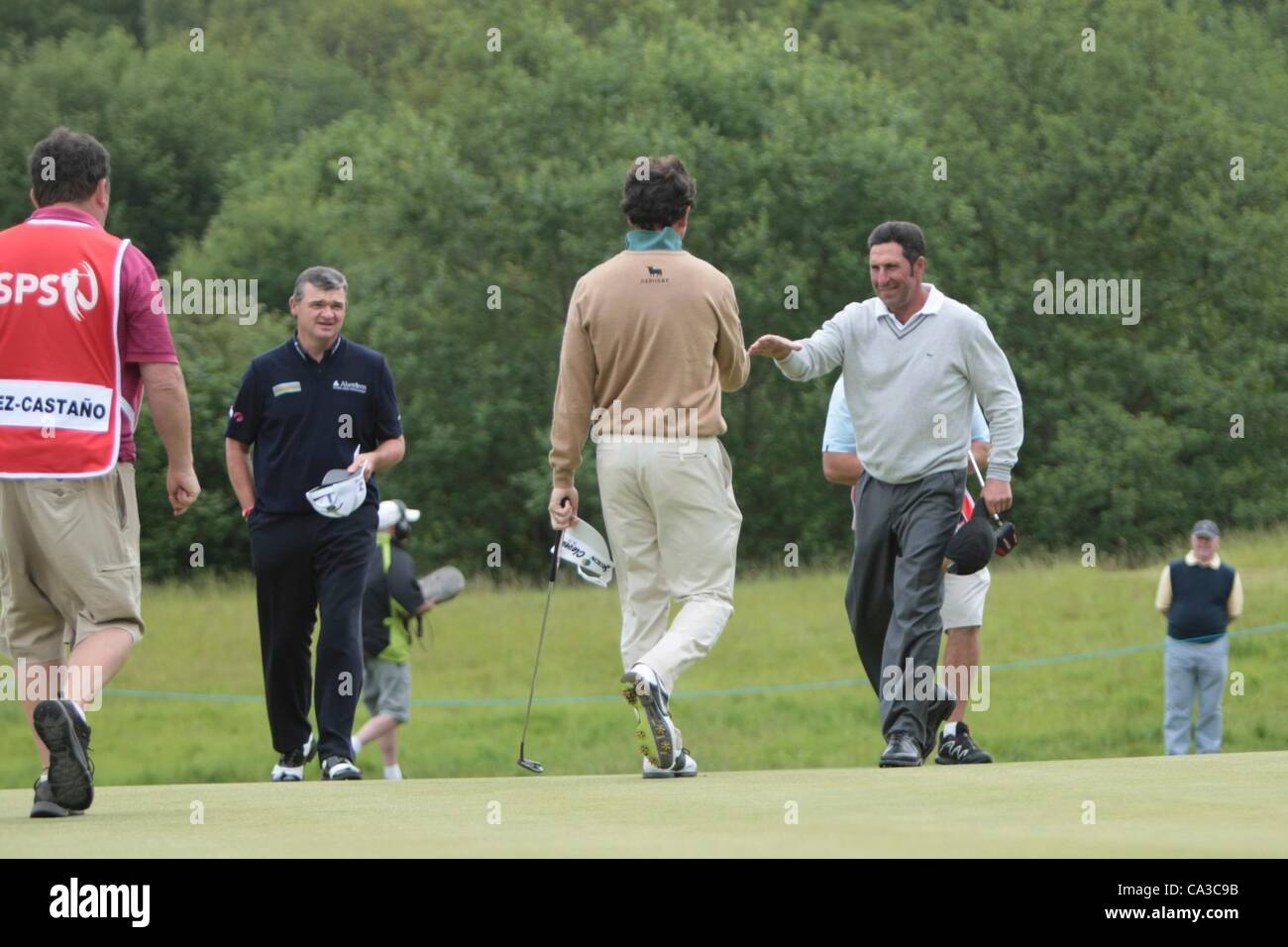 31.05.2012 Newport Wales. Match 18 end their round on the 10th hole on Day 1 of the ISPS Handa Wales Open from Celtic - Stock Image