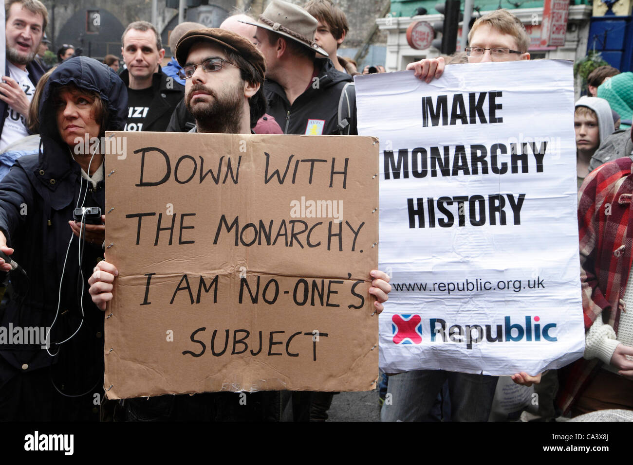 Anti-monarchy demonstrators protest during Diamond Jubilee celebrations. London, UK - Stock Image