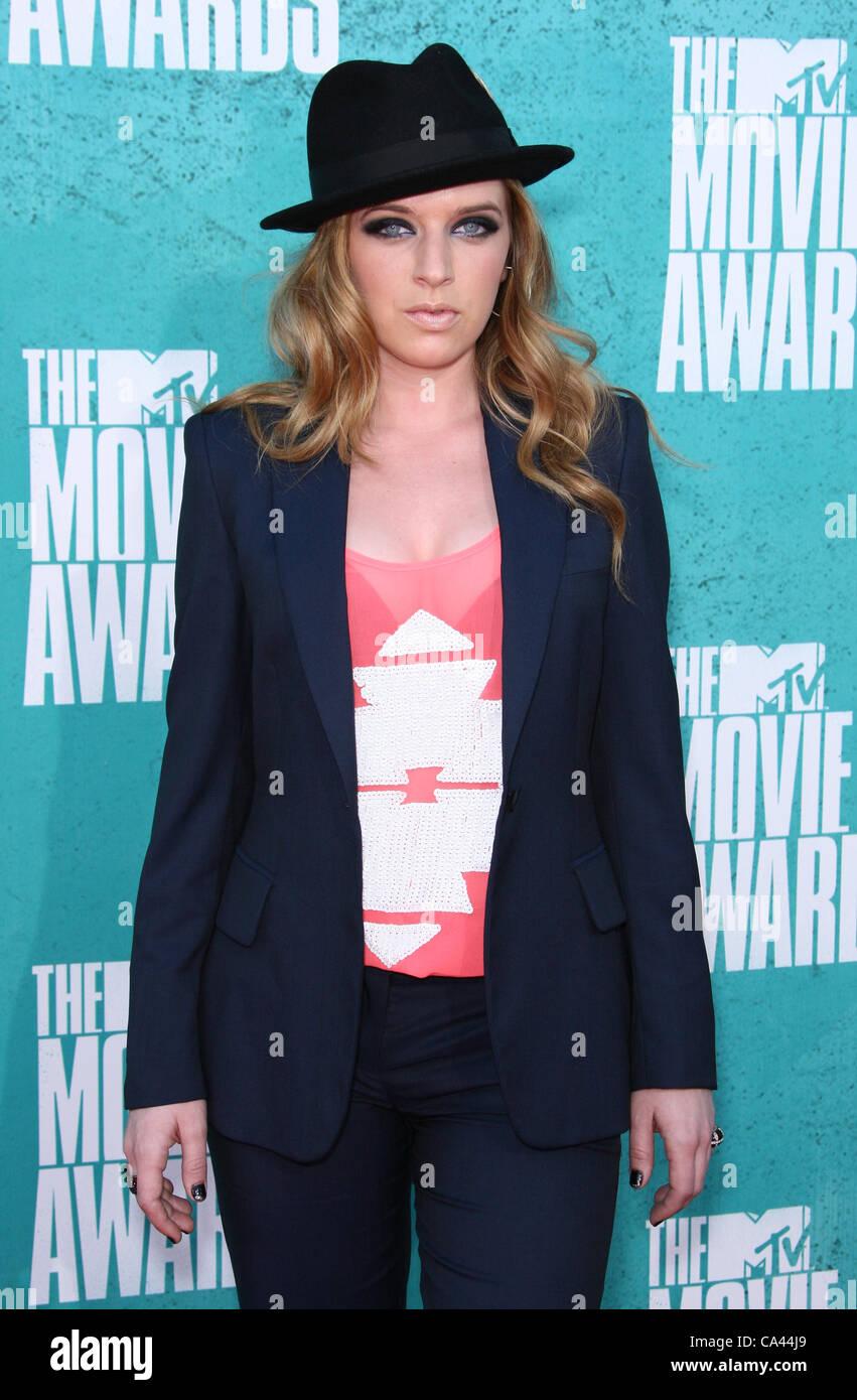 ZZ WARD THE MTV MOVIE AWARDS 2012. ARRIVALS LOS ANGELES CALIFORNIA USA 03 June 2012 - Stock Image