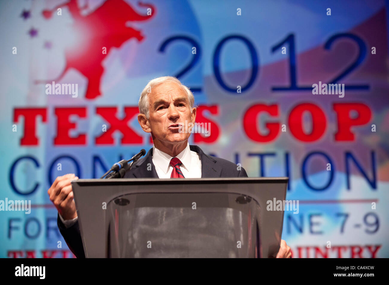 U.S. Presidential candidate Ron Paul speaks to thousands of  delegates at the opening of the Texas Republican Convention Stock Photo