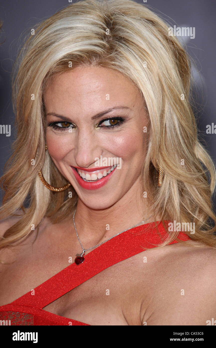 picture Debbie Gibson
