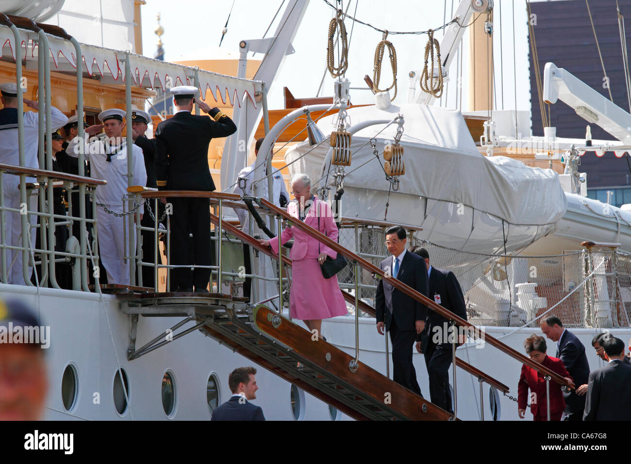 June Friday 15, 2012 - Queen Margrethe II of Denmark and the Chinese President Hu Jintao and his wife boarding the - Stock Image