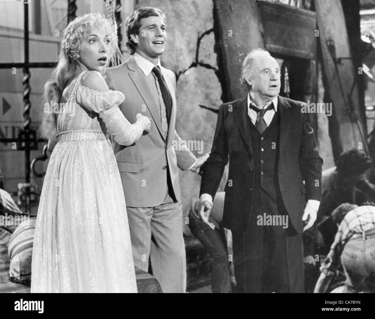 MARIANGELA MELATA, RYAN O'NEAL AND JACK WARDEN IN ''SO FINE''. TV-FILM STILL(Credit Image: © - Stock Image