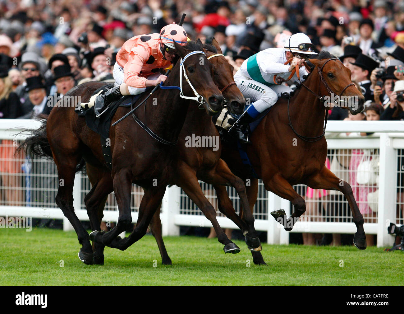 23.06.12 Ascot, Windsor, ENGLAND:  Luke Nolan on Black Caviar with Thiery Jarnet on Moonlight Cloud and Maxime Guyon - Stock Image