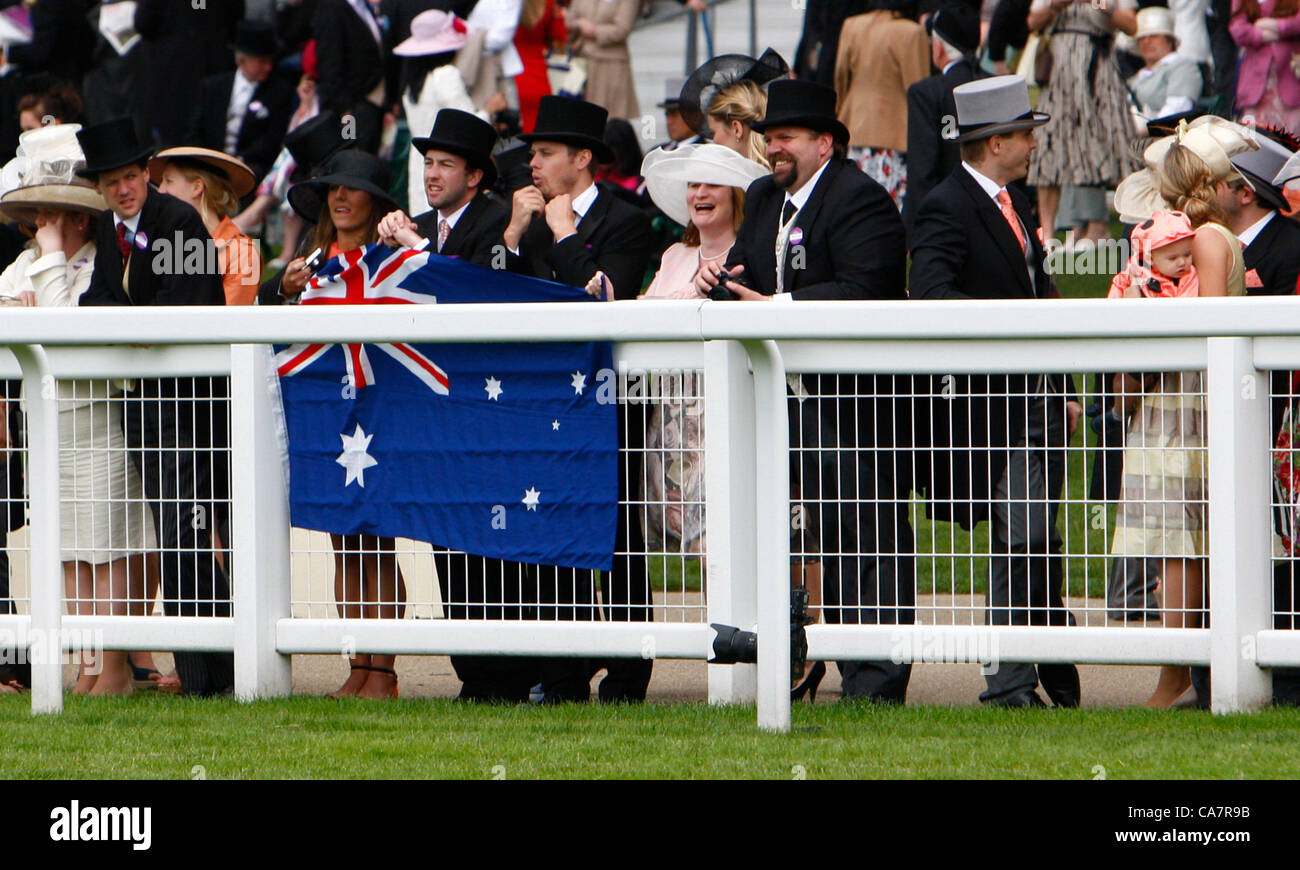 23.06.12 Ascot, Windsor, ENGLAND: Fans from Australia who were there to see the winning of The Diamond Jubilee Stakes - Stock Image