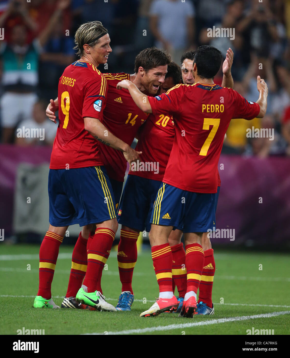 XABI ALONSO & TEAM MATES CELEB SPAIN V FRANCE EURO 2012 DONBASS ARENA DONETSK UKRAINE 23 June 2012 - Stock Image