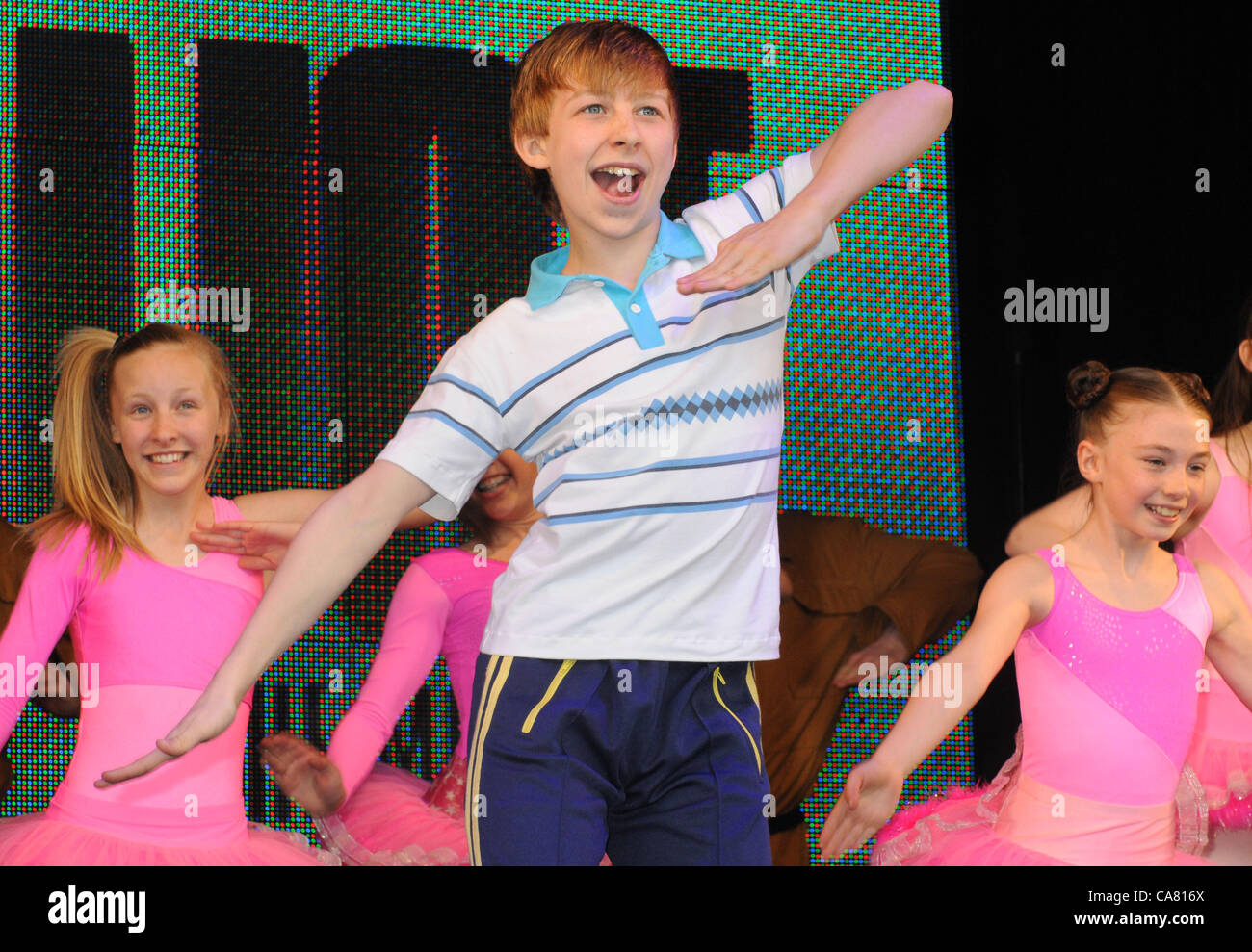 Billy Elliot Cast and Crew - Cast Photos and Info | Fandango
