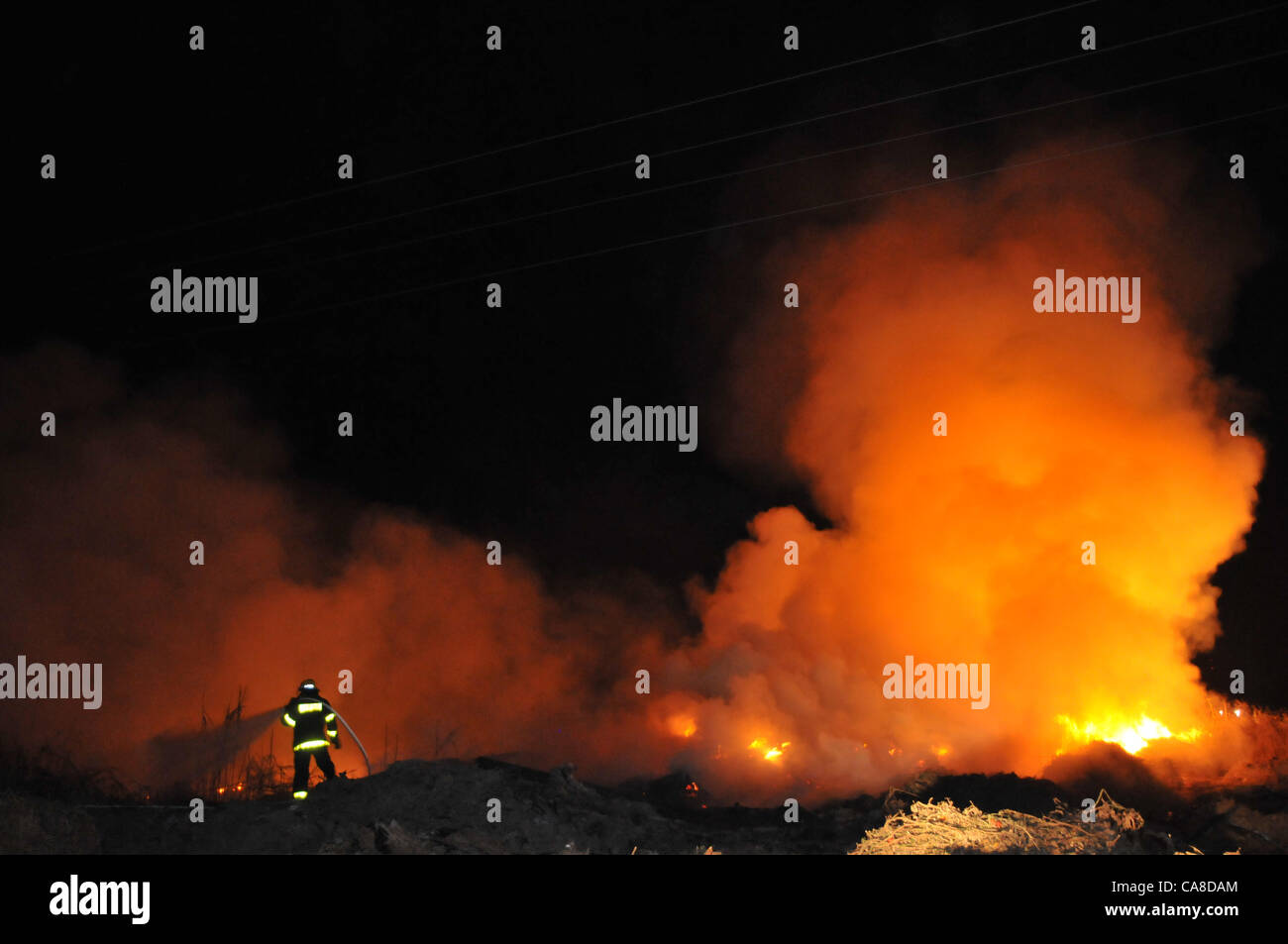Wildfire near Nehora, Israel. June 27, 2012, Photo by Shay Levy  *** Local Caption *** ?????  ??  ?????  ?????  - Stock Image