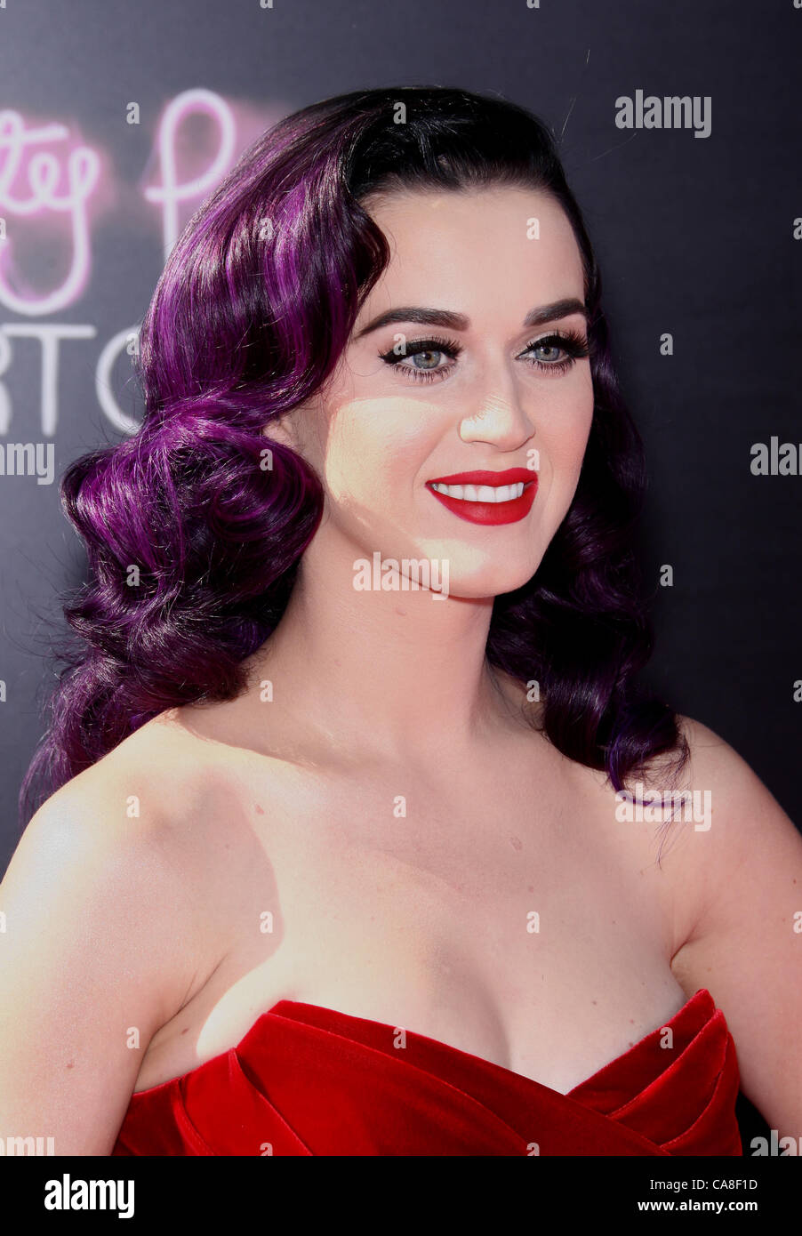 47e46029 KATY PERRY KATY PERRY: PART OF ME. LOS ANGELES PREMIERE HOLLYWOOD LOS  ANGELES CALIFORNIA USA 26 June 2012