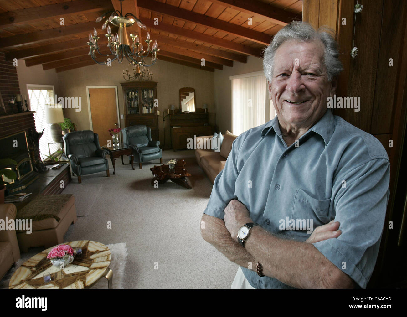 (Published 9/4/2005, J-2) SLmatz239565x001/May 17---Poway resident Rudy Matz for a words - Stock Image