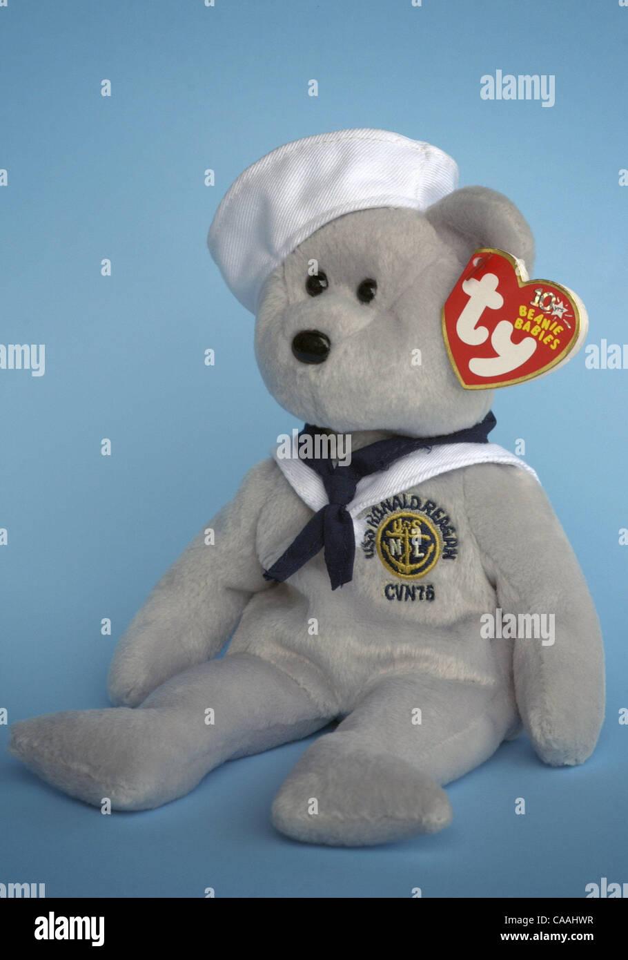 821f2193df8 Beanie Baby Bear Stock Photos   Beanie Baby Bear Stock Images - Alamy