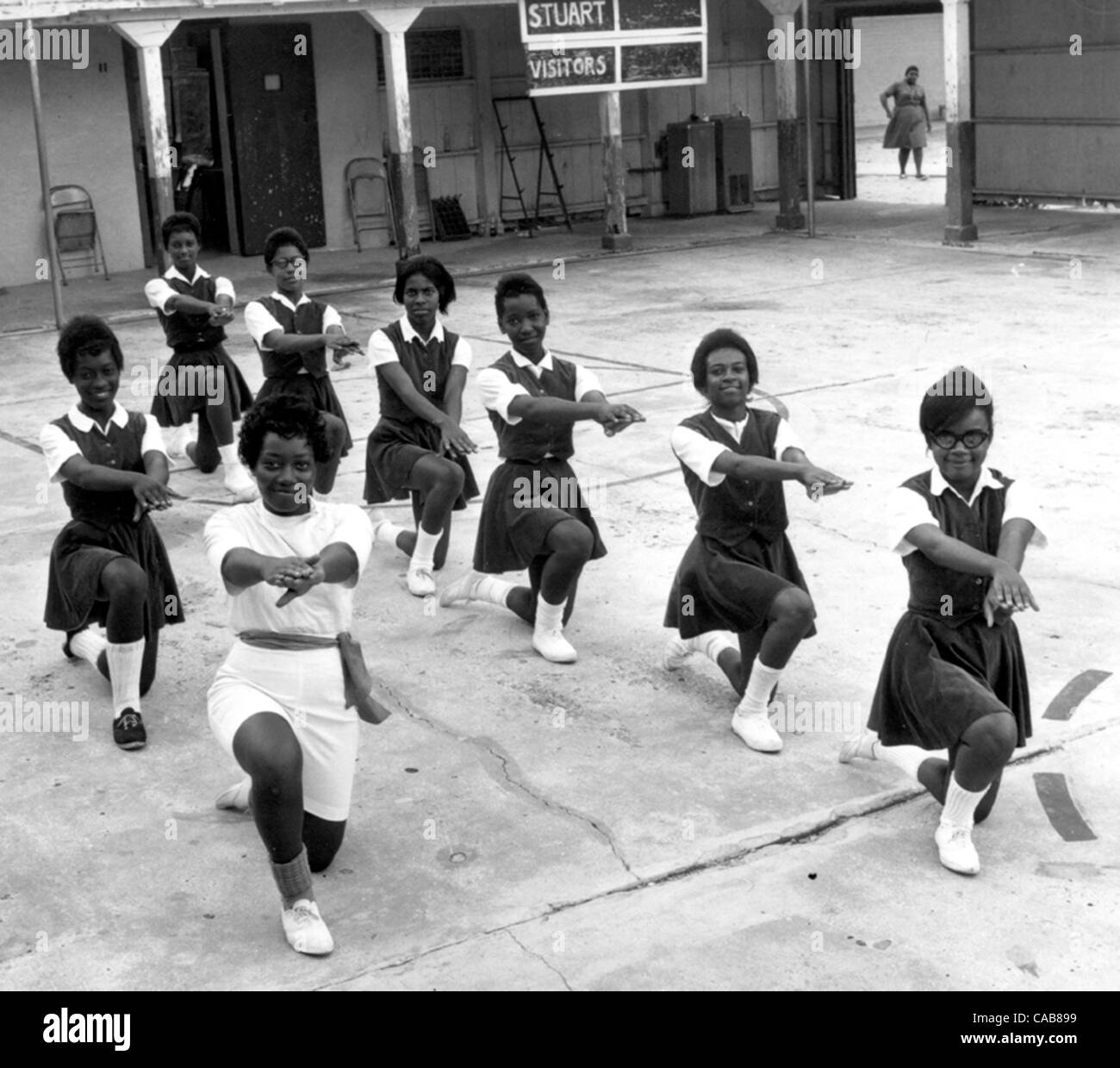 ADVANCE METRO, 5/3/04......Cheerleaders practice in 1964 at Stuart Training School in East Stuart, which under segregation - Stock Image
