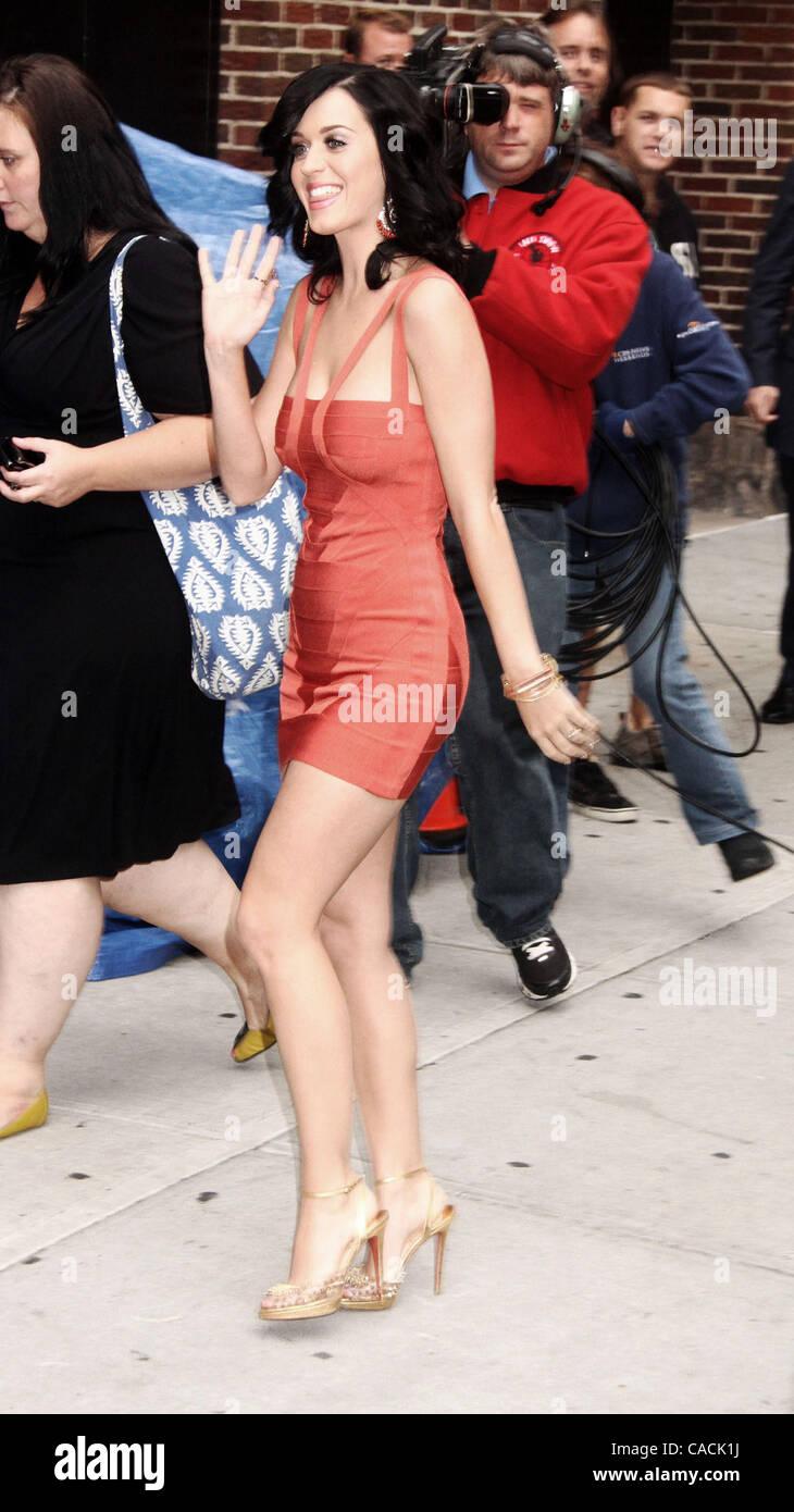 b0050f420b4 Aug. 24, 2010 - New York, New York, U.S. - Singer KATY PERRY arrives ...