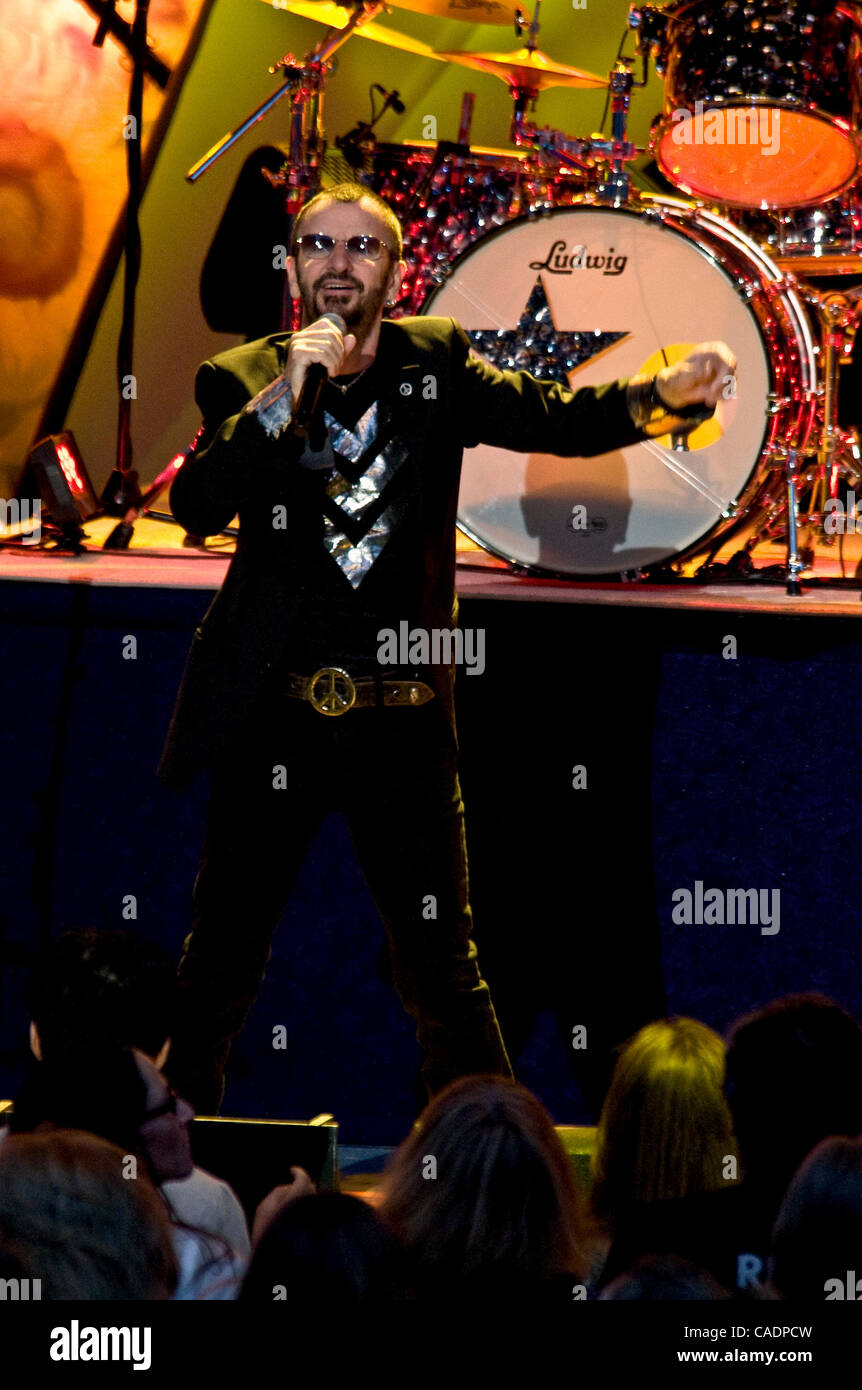 Aug. 07, 2010 - Los Angeles, CA, USA - RINGO STARR and his 2010 All-Starr Band perform at the Greek Theatre. - Stock Image