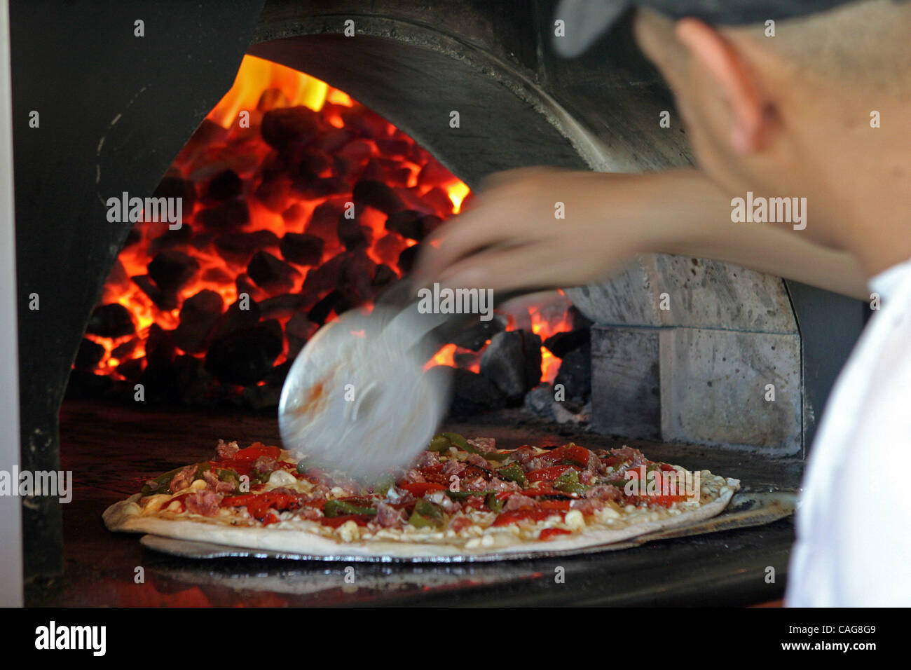 Coal fired oven stock photos coal fired oven stock images alamy for Grimaldi s pizza palm beach gardens