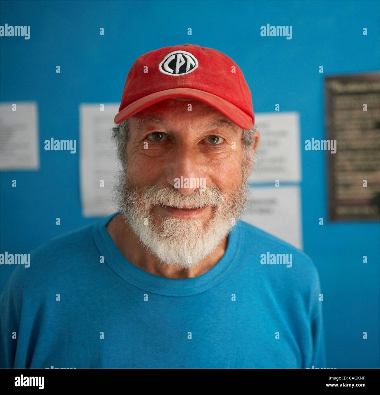 Feb 01, 2008 - Jerusalem, Israel - John Lynes is a 77 year old Jewish widower who has arthritus, 12 children, and - Stock Image
