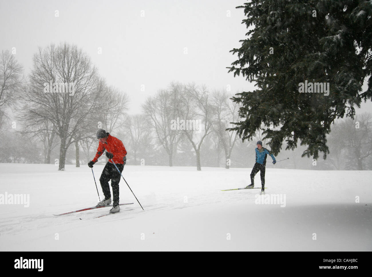 Dec 04, 2007 - St  Paul, Minnesota, USA - More snow fell