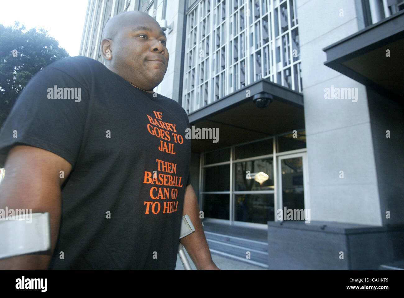 Barry Bonds supporter Allen Jones shows up for the slugger's arraignment on federal perjury charges at the Phillip - Stock Image