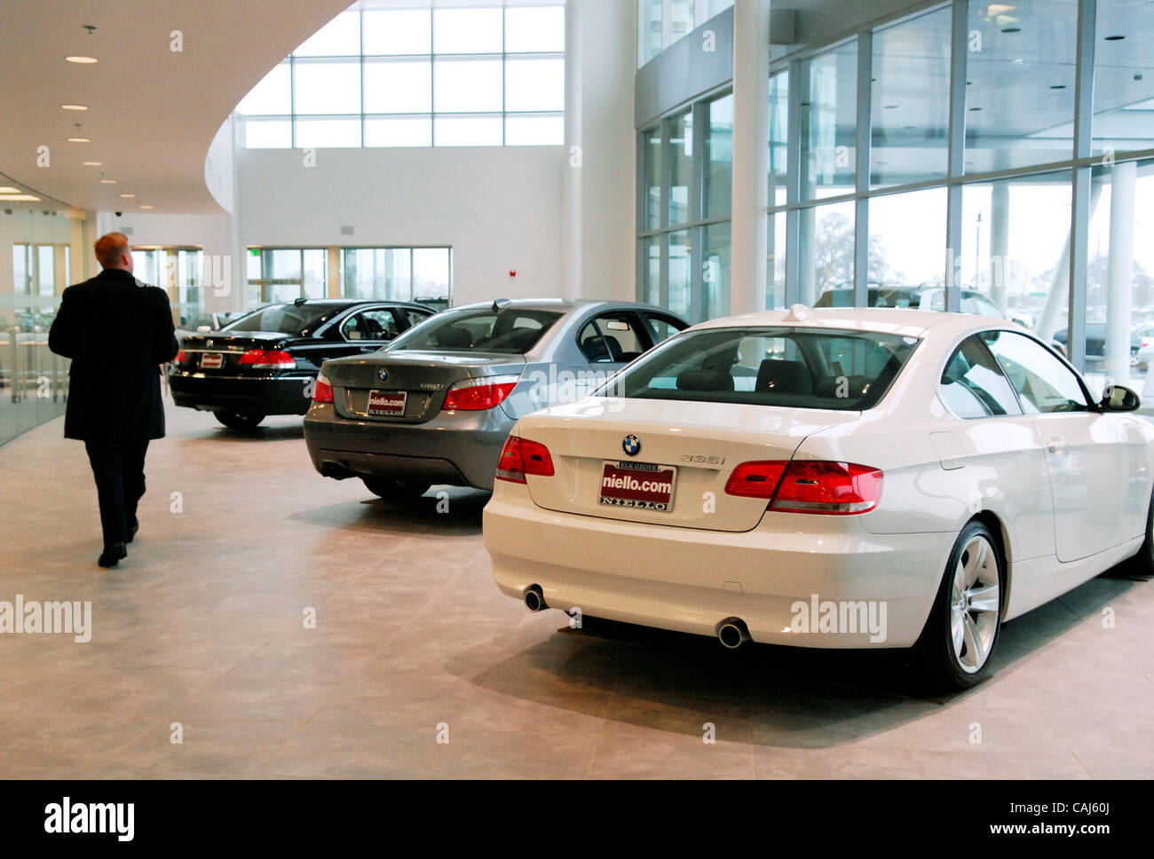 Elk Grove Auto Mall >> Bmws Line The Showroom Floor Of The Niello Bmw Dealership In The Elk