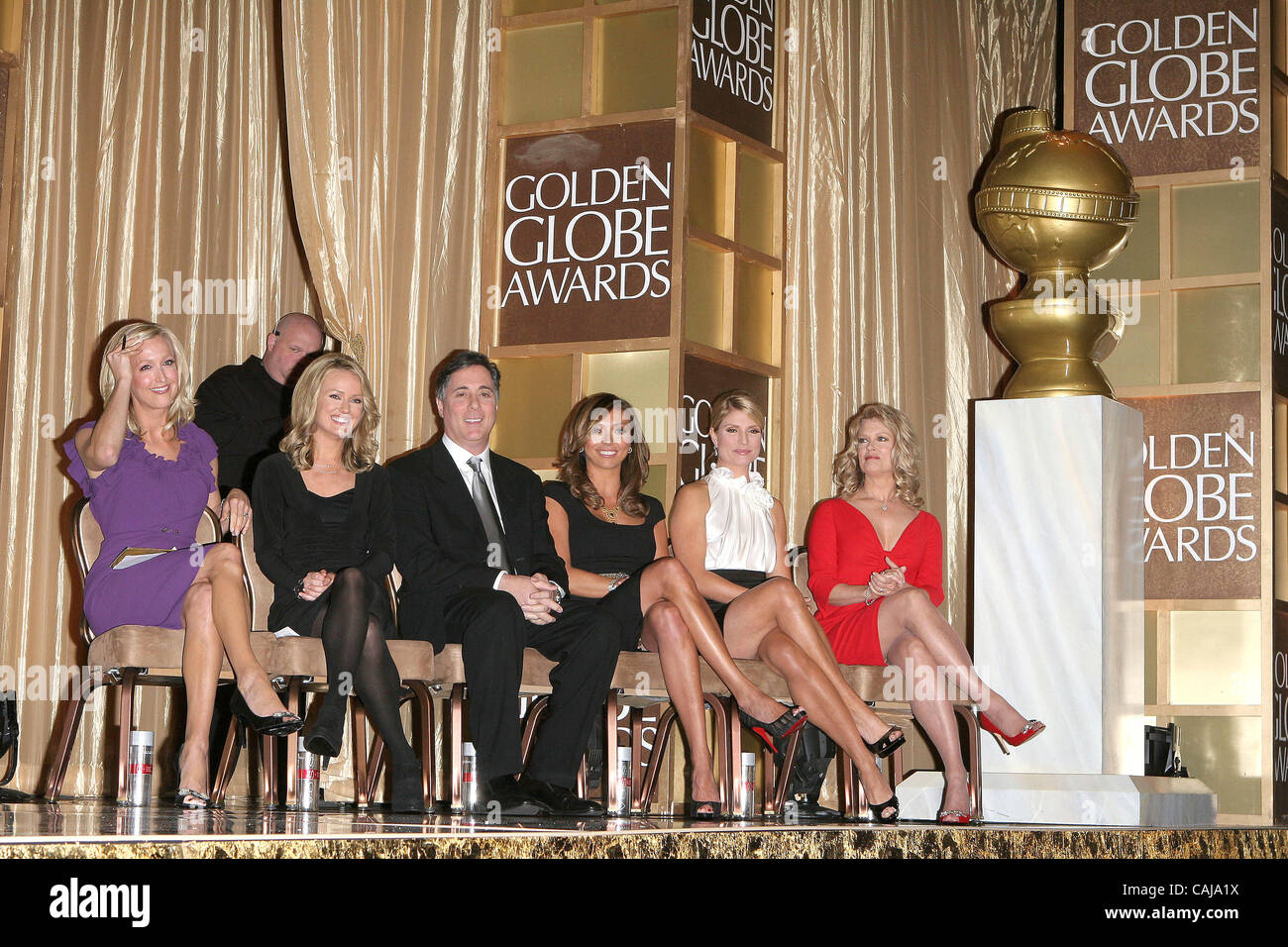 Hosts LARA SPENCER BROOKE ANDERSON JIM MORET TV GIULIANA RANCIC DAYNA DEVON And MARY HART Annoucing The Winners At 65th Golden Globe Awards