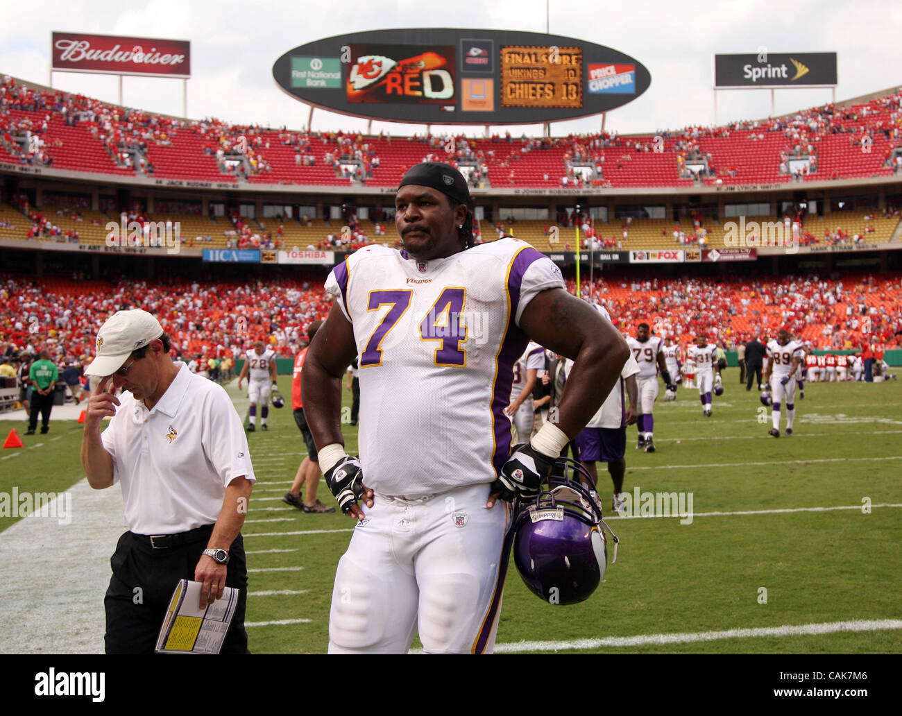 The Minnesota Vikings' Bryant McKinnie   (Credit Image: © Minneapolis Star Tribune/ZUMA Press) Stock Photo