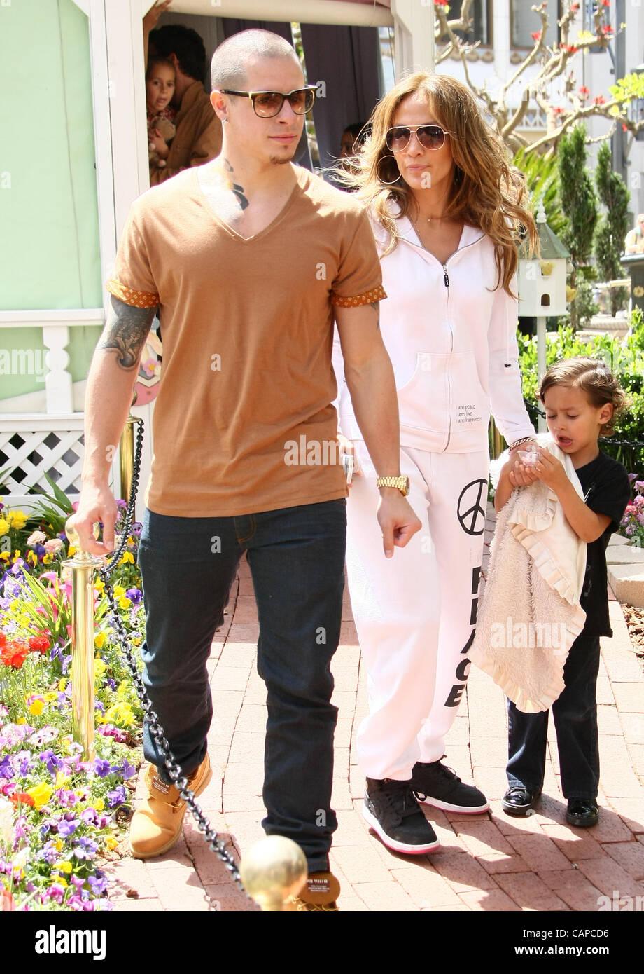 Casper Smart Jenifer Lopez Max Anthony Jennifer Lopez And Stock Photo Alamy