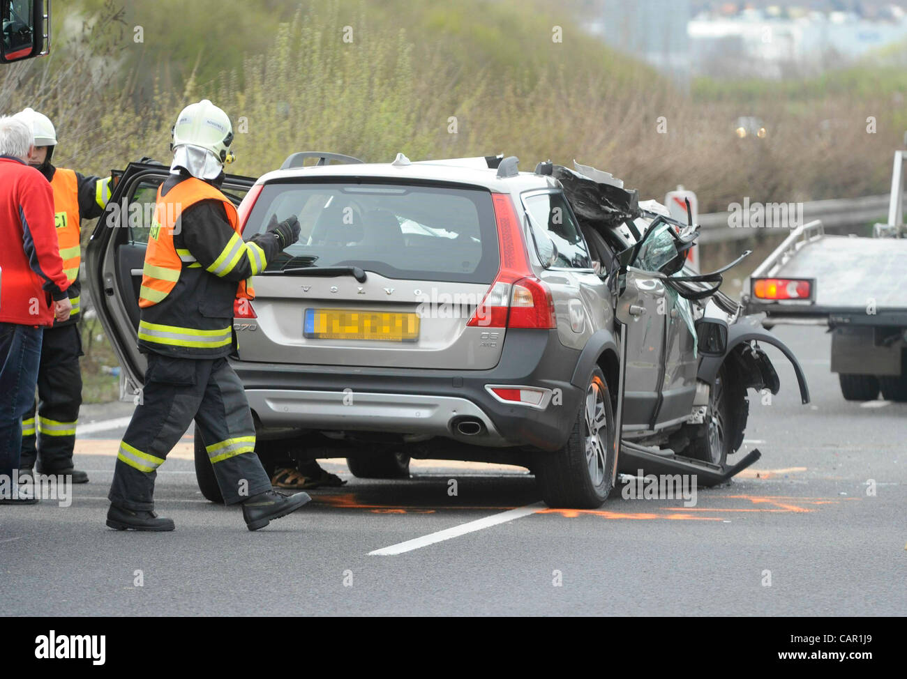 Car accident at the highway D8 by which a female passenger