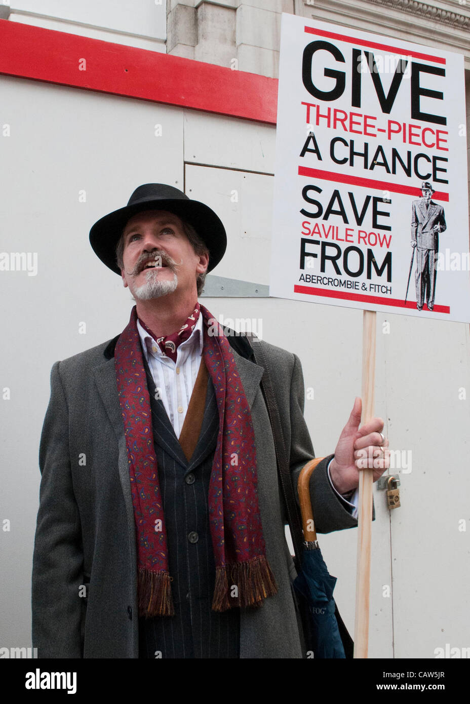 London, UK. 23/04/12. Chaps and Chapette's from the New Sheridan Club holding their St George's Day protest - Stock Image