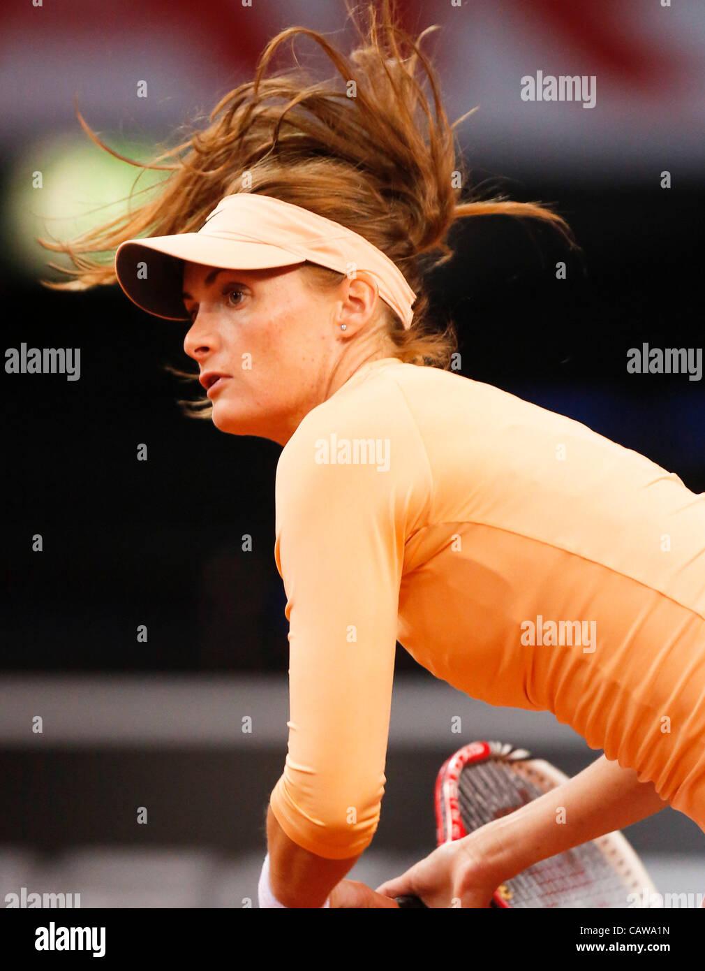 Iveta BENESOVA (CZE) Aktion Aufschlag,  Portrait, Kopf, Gesicht, Tennisball, Einzelbild , Haare fliegen durch die - Stock Image