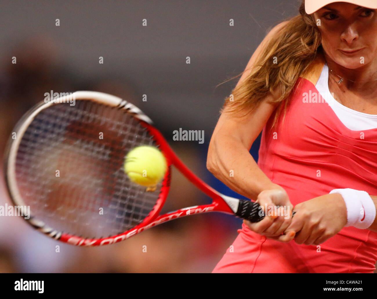 Iveta BENESOVA (CZE) Aktion Aufschlag,  Portrait, Kopf, Gesicht, Tennisball, Einzelbild   beim Porsche Tennis Grand - Stock Image