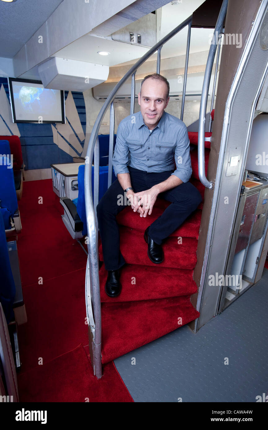 Anthony Toth has built a vintage Pan Am 747 1st class cabin in his garage using original salvaged parts. Toth, from - Stock Image