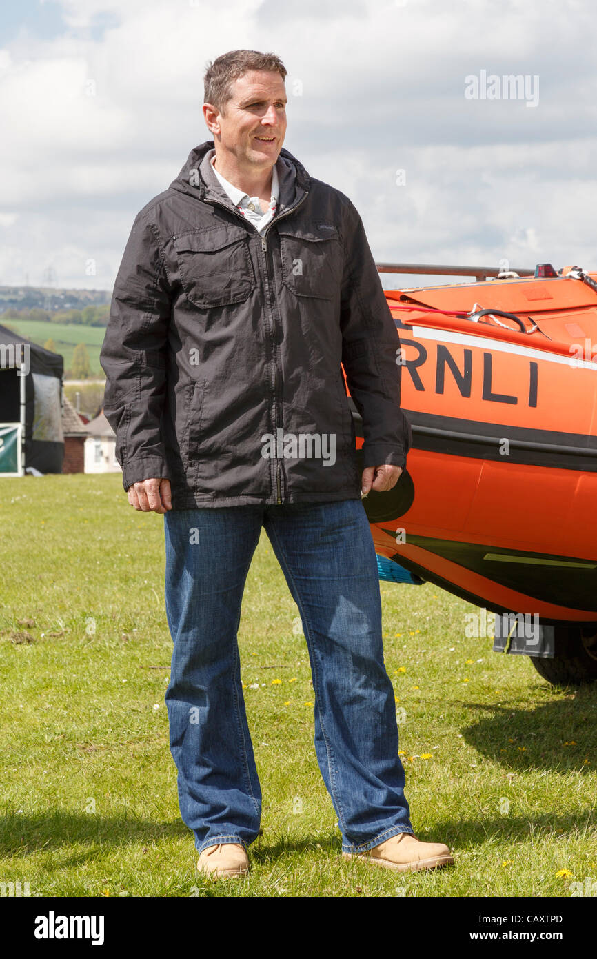 Flint, Flintshire, North Wales, UK. 5th May 2012. Nature presenter, Iolo Williams, records the last episode of the - Stock Image