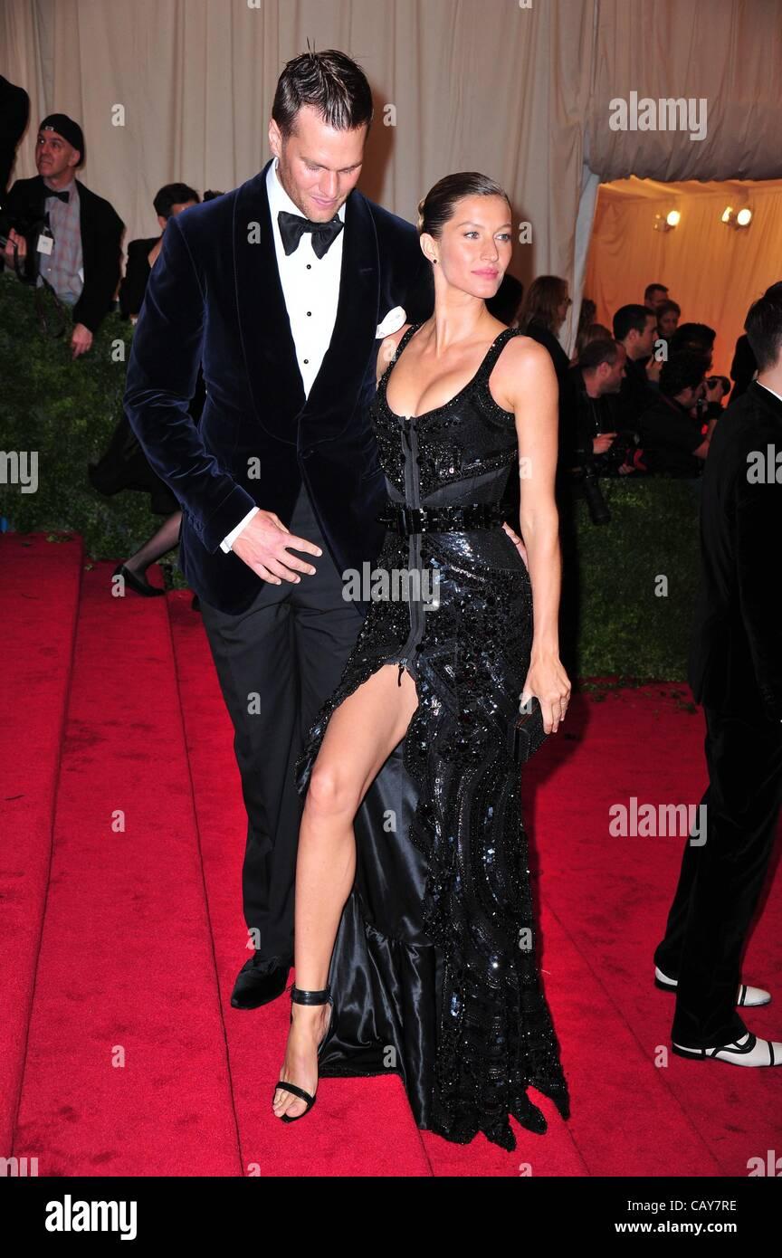 Tom Brady, Gisele Bundchen at arrivals for Schiaparelli and