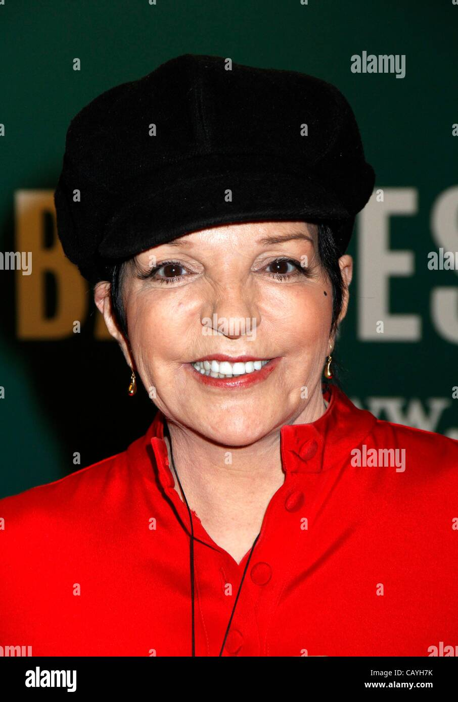 Liza may minnelli stock photos liza may minnelli stock images alamy for Barnes and noble winter garden