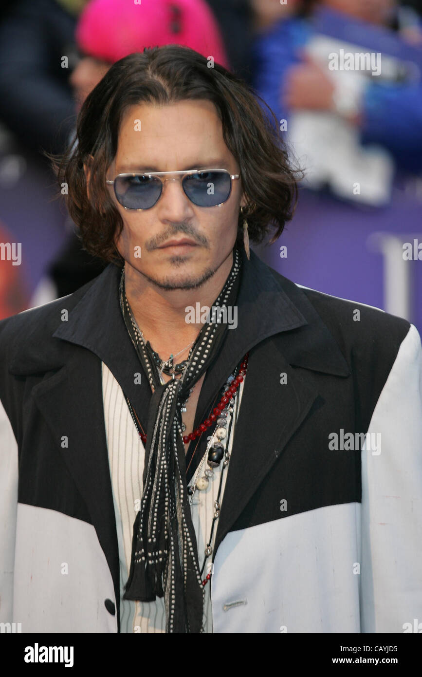 London, UK, 09/05/2012: Johnny Depp attends the Dark Shadows - UK film premiere at the The Empire, Leicester Square. - Stock Image