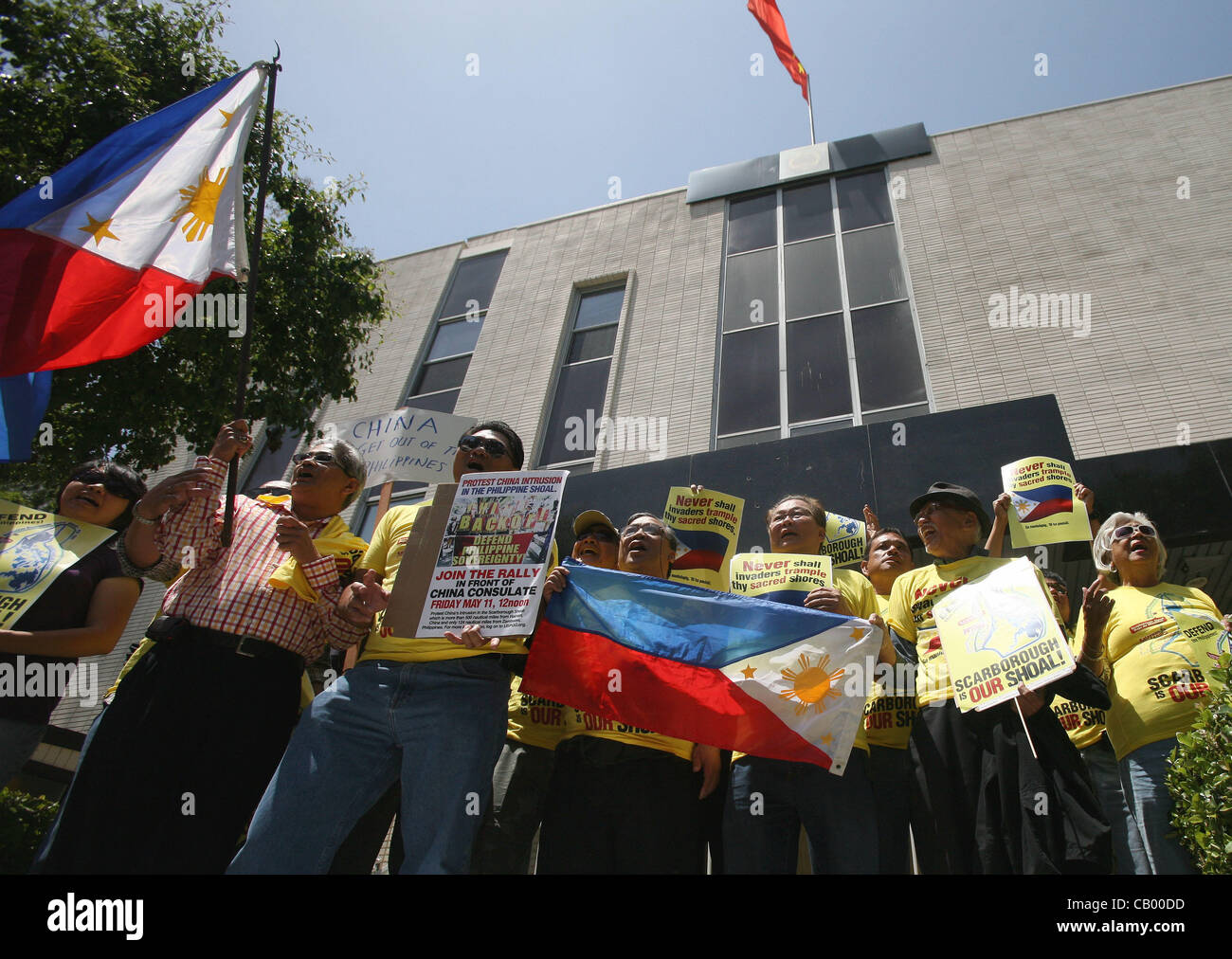 May 11, 2012 - Los Angeles, California, U.S. - Filipino activists take part in a demonstration in front of the Chinese - Stock Image