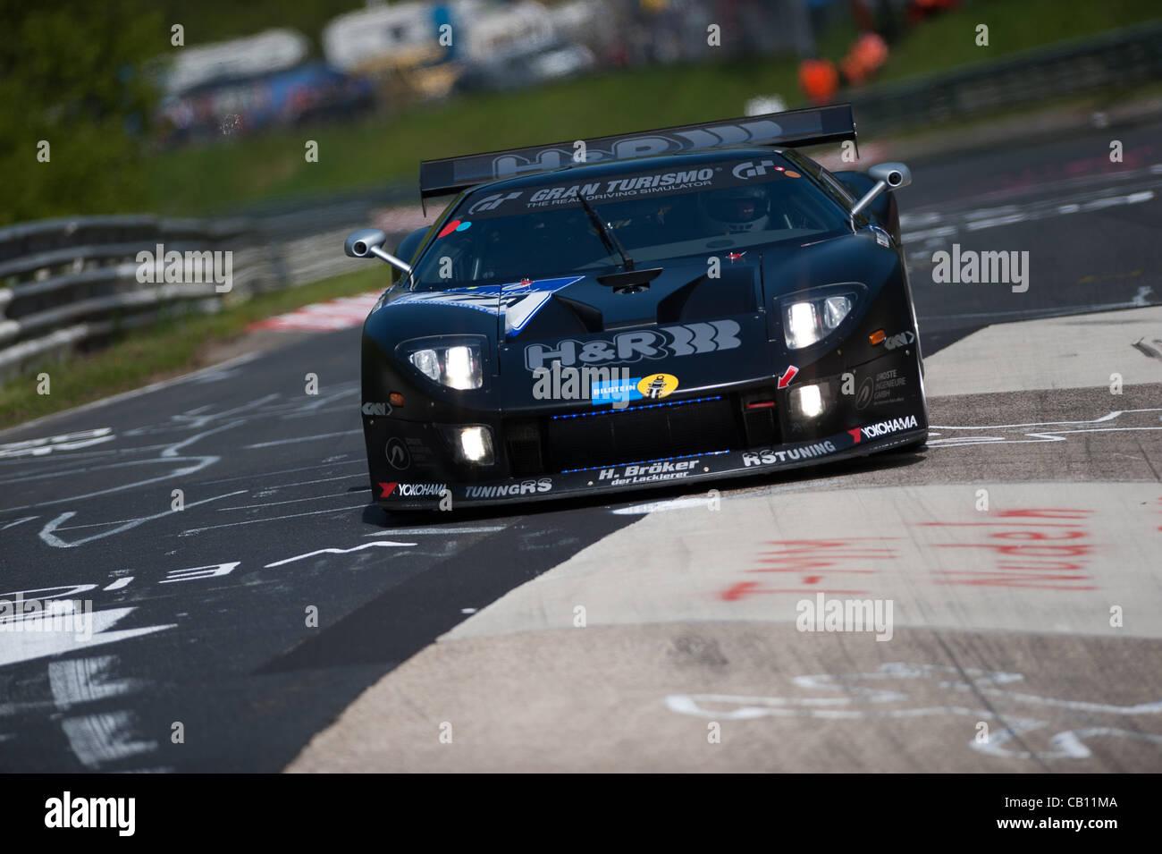 Jurgen Alzen Ger Artur Deutgen Esp Christian Engelhart Ger Robert Renauer Ger Driving The  Sp Gt Ford Gt During Practice For The
