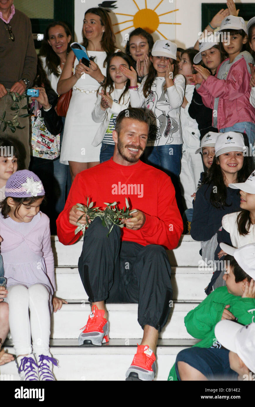 May 18, 2012 - Athens, Greece - British soccer star DAVID BECKAM  sits with students at the Athens Univercity Experimental - Stock Image