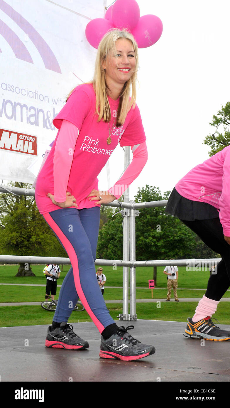 Blenheim Palace, England - Denise Van Outen at the Pink Ribbonwalk at Blenheim Palace, Woodstock, Oxfordshire - - Stock Image