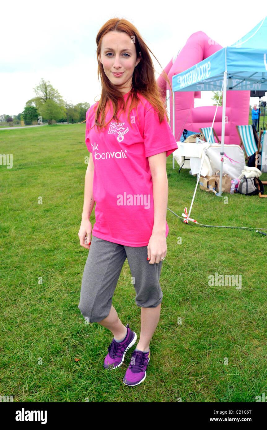 Blenheim Palace, England - Siobhan Donaghy at the Pink Ribbonwalk at Blenheim Palace, Woodstock, Oxfordshire - May - Stock Image