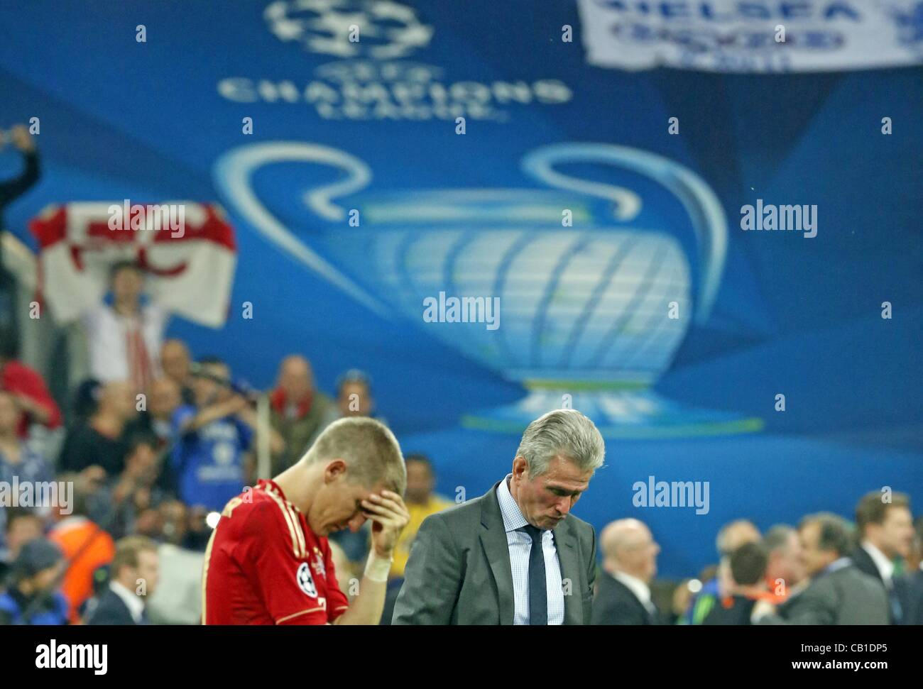 Bastian Schweinsteiger (Bayern #31) , Trainer Cheftrainer Jupp HEYNCKES (FCB) Emotionen, enttäuscht, Enttäuschung, - Stock Image