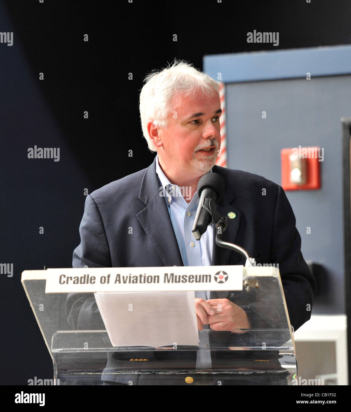 Andy Parton, Executive Director of Cradle of Aviation Museum, during 85th anniversary celebration of Charles Lindbergh's - Stock Image