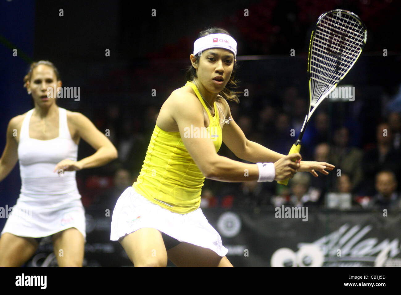 17.05.2012 The O2, London, England. Nicol David (MAS) in action against Samantha Teran (MEX) during their second - Stock Image