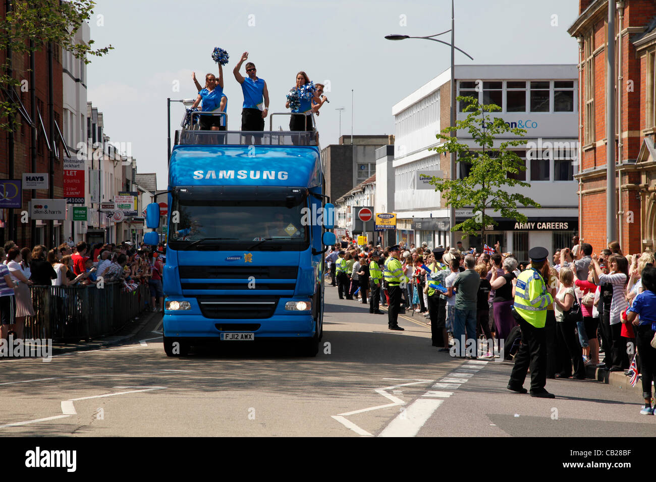 Wednesday, May 23rd 2012.  Swindon, Wiltshire, England, UK. The Samsung coach signals the imminent arrival of the - Stock Image