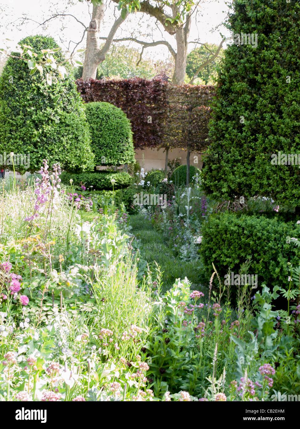 The Laurent Perrier Bicentenary Show Garden Designed By Arne
