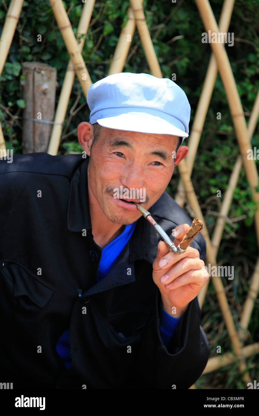 Man Pipe Cap Stock Photos   Man Pipe Cap Stock Images - Alamy 8dd1677697e6
