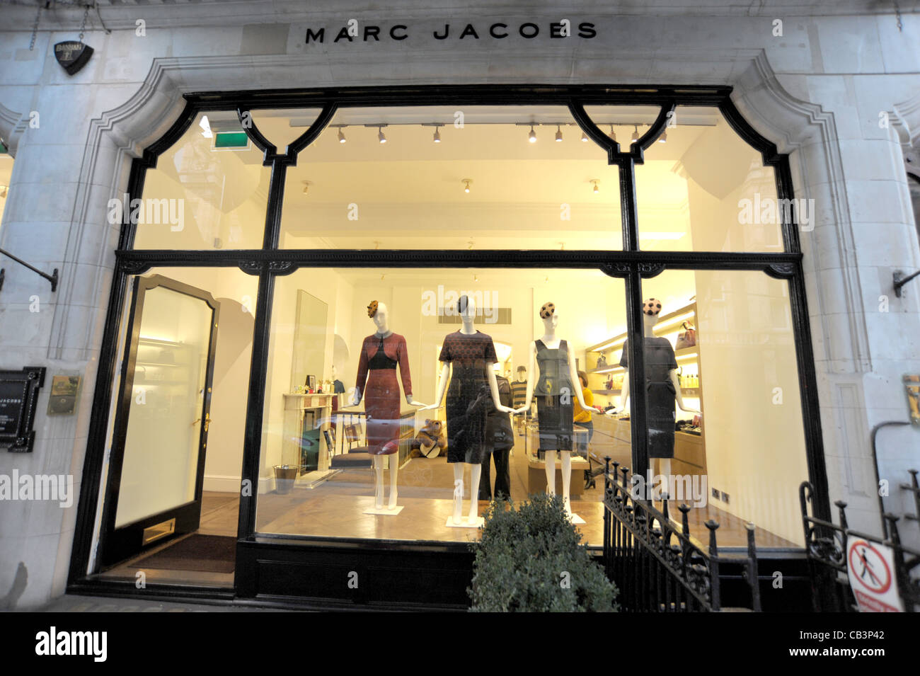 365e6f00a9720 Exterior shot of the Marc Jacobs store on Mount Street London England 2011  - Image Copyright