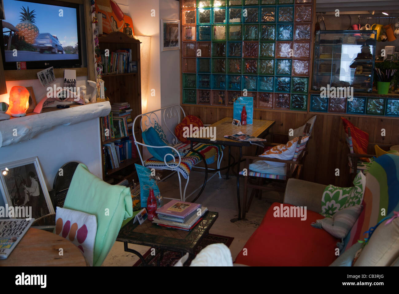 Interior of Pinky Murphy's Cafe in Fowey, Cornwall. - Stock Image