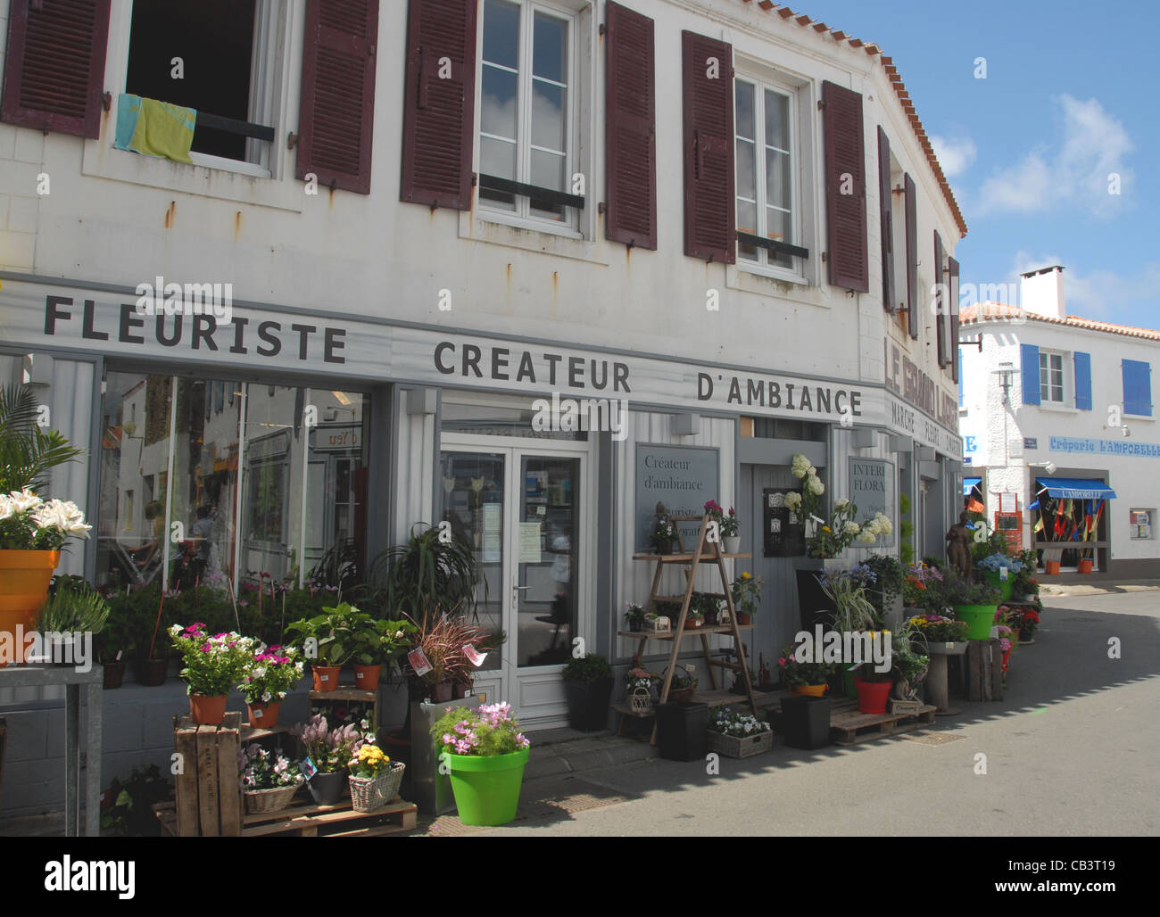 Flower shop in the old centre of the port town Port Joinville on the Atlantic island Île d'Yeu in Vendée, - Stock Image